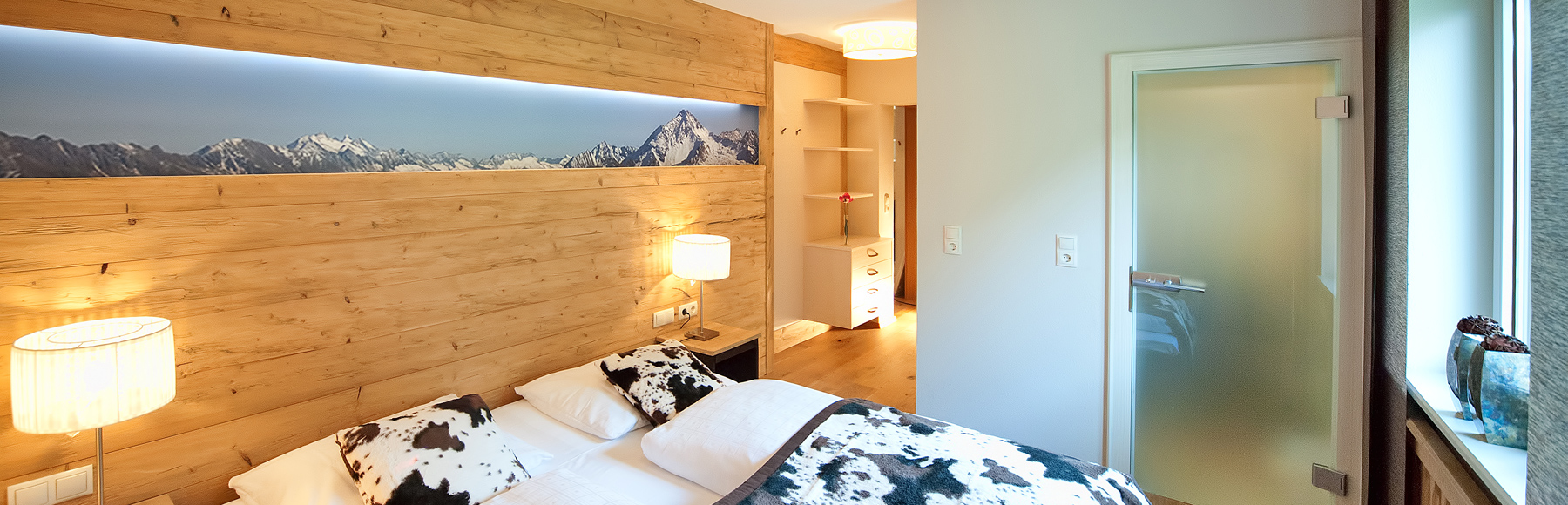 appartement f r 4 5 personen in mayrhofen leo appartements. Black Bedroom Furniture Sets. Home Design Ideas